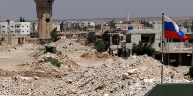 العلم السوري يرفرف في درعا البلد وإقبال كثيف على مراكز التسوية