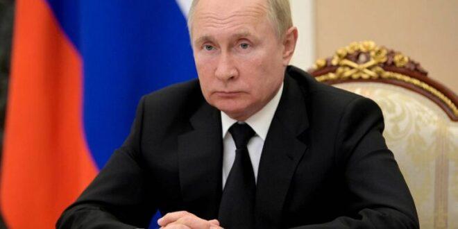 الرئيس بوتين يعلن أنه سيلتزم العزل الذاتي