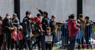معظم اللاجئين السوريين في تركيا يفضلون الرحيل عنها