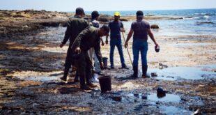 مديرة البيئة في اللاذقية : رصد بقع تلوث نفطي جديدة في شاطئ جبلة!!؟
