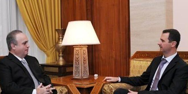 """وئام وهاب ممازحا الأسد: """"ابني هادي تزوج مبارح... هوي اللي اتفقنا نعملو رئيس"""" (فيديو)"""