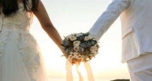 عروسان يثيران الجدل... هذا ما فعلاه (صورة)