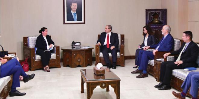 المقداد يطالب مسؤولة أممية باتخاذ موقف واضح من العقوبات الأمريكية المفروضة على سوريا