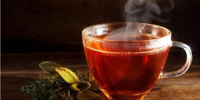 خطأ نرتكبه جميعاً عند صنع الشاي يفسد مذاقه تمام