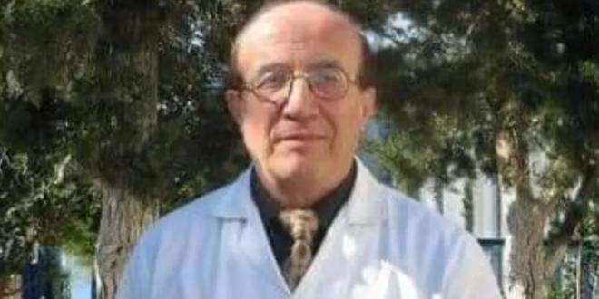 مدرّس مادة الرياضيات أحمد الفقير في دمشق