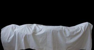 هدم مقابر وخروج أكفنة الموتى