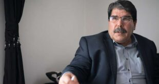 """صالح مسلم: روسيا طلبت من """"قسد"""" تسليم منبج لتركيا"""