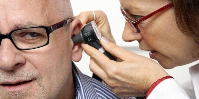"""طبيب روسي يقدم نصيحة """"طريفة"""" لمن يعاني من طنين الأذن"""