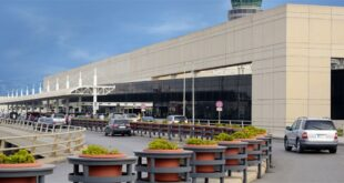 إشكال كبير وتضارب في مطار بيروت