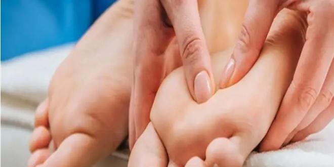 علامات في الساقين تكشف تراكم الكوليسترول في الجسم