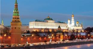 شاهد.. ماذا فعلت الرياح القوية بأسوار الكرملين في موسكو؟