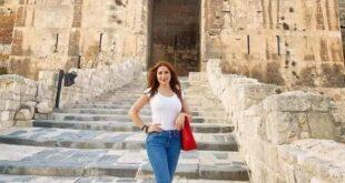 نسرين طافش … من المالديف إلى قلعة حلب